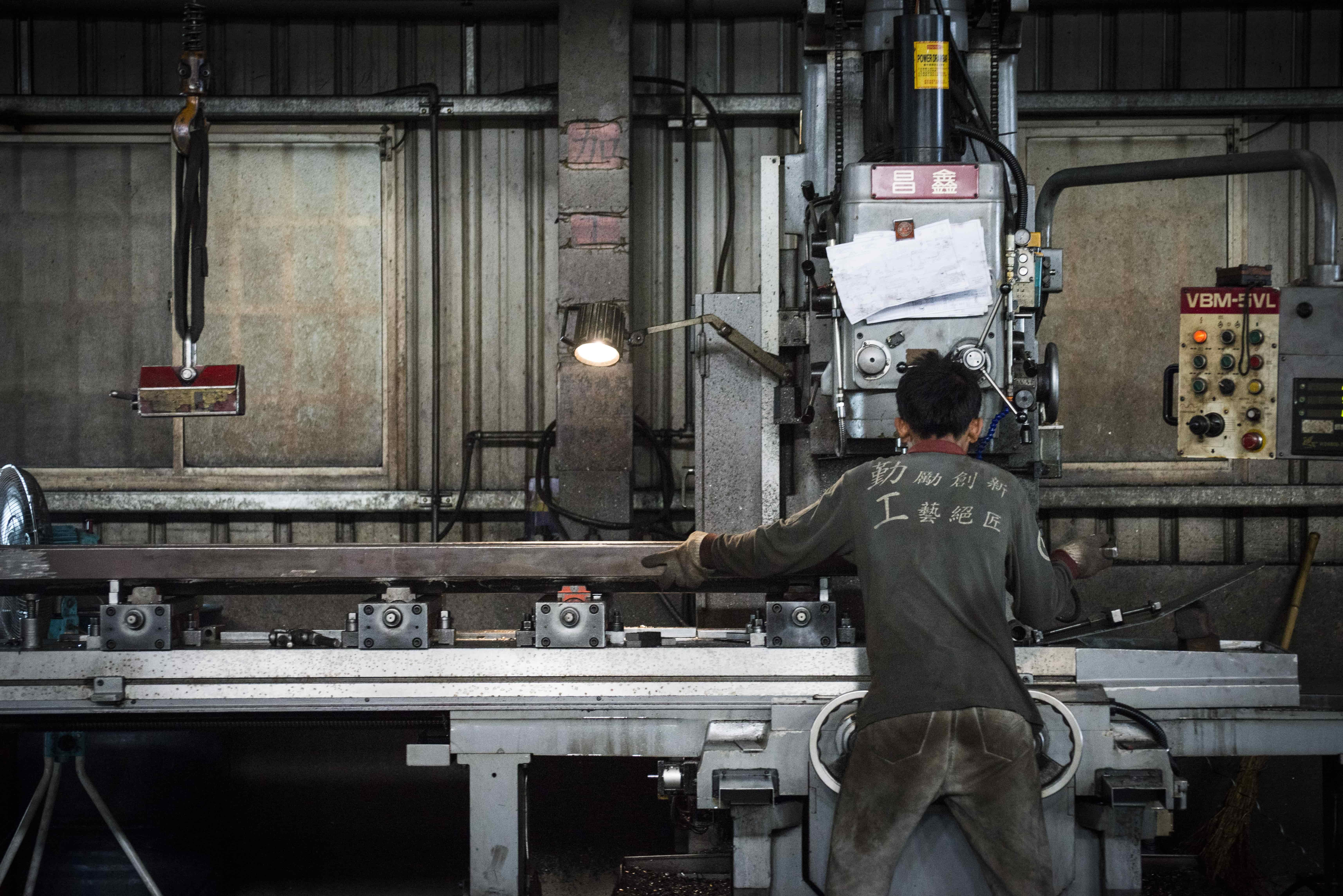 Axon-forklift worker